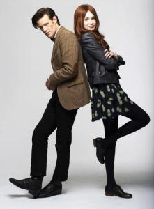 Doctor-and-Amy-eleventh-doctor-and-amy-pond-32883698-437-594